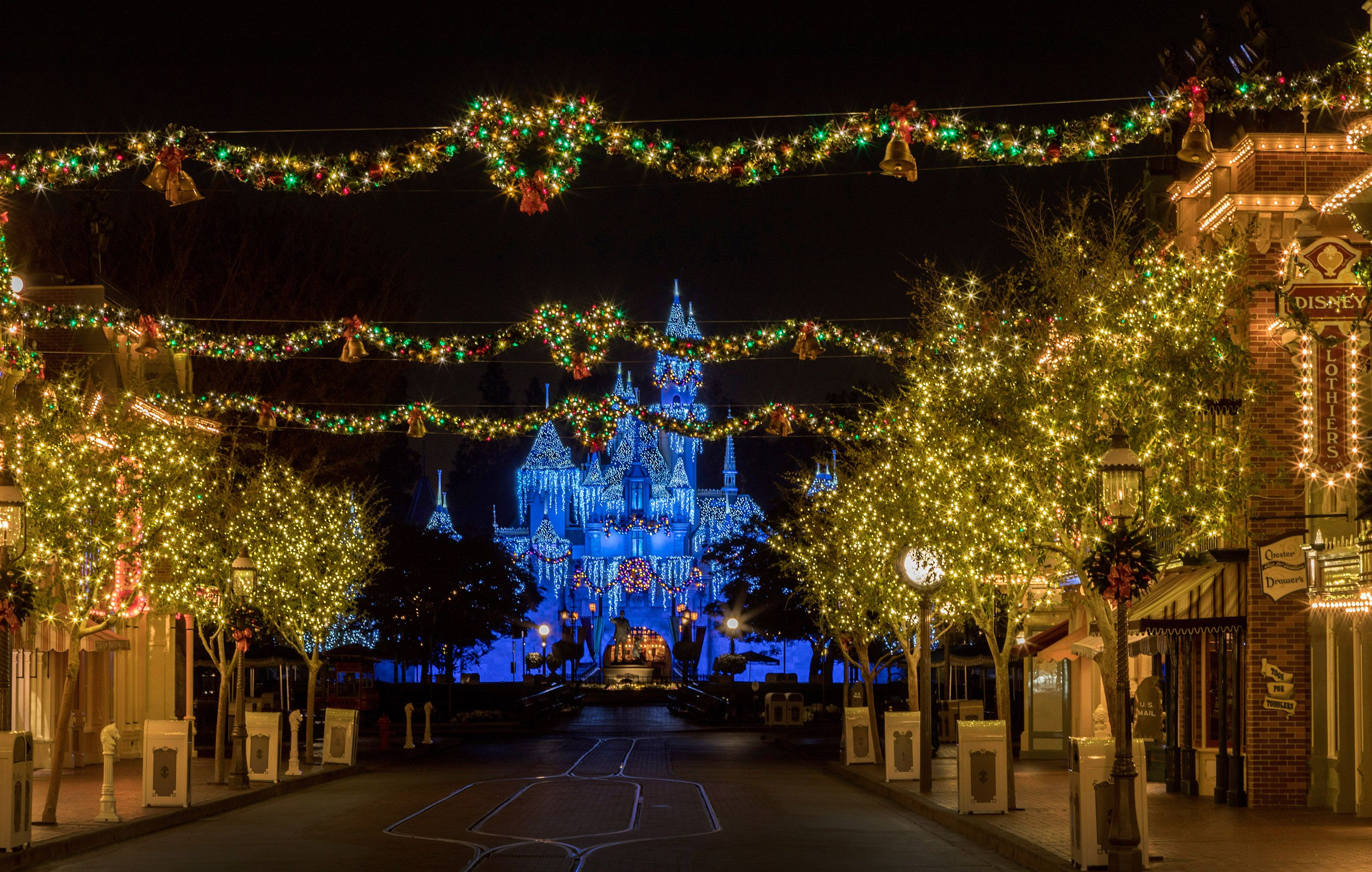 Disneyland Christmas Decorations By The Numbers How Disney