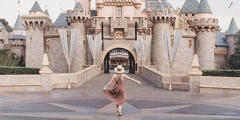 Landmark, Architecture, Photography, Tourism, Arch, Building, Tourist attraction, Art,