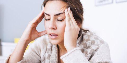 Dit is de reden waarom vrouwen vaker migraine hebben