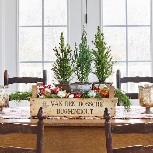 25 Best Diy Christmas Centerpiece Ideas Easy Holiday