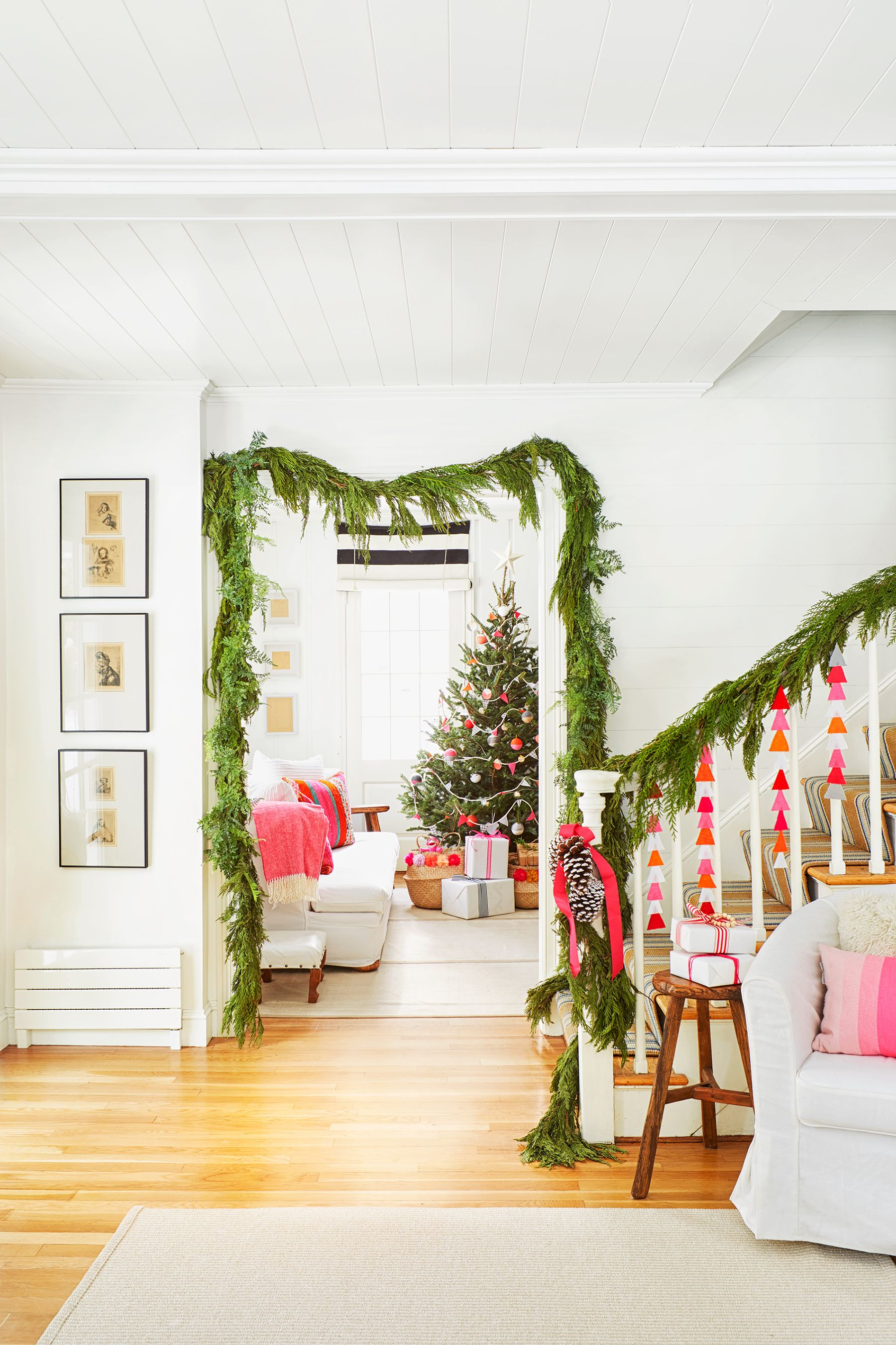 30 Easy Diy Christmas Decorations Homemade Holiday Decor Ideas