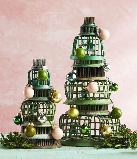 DIY Christmas Decorations Flower Frog Tree