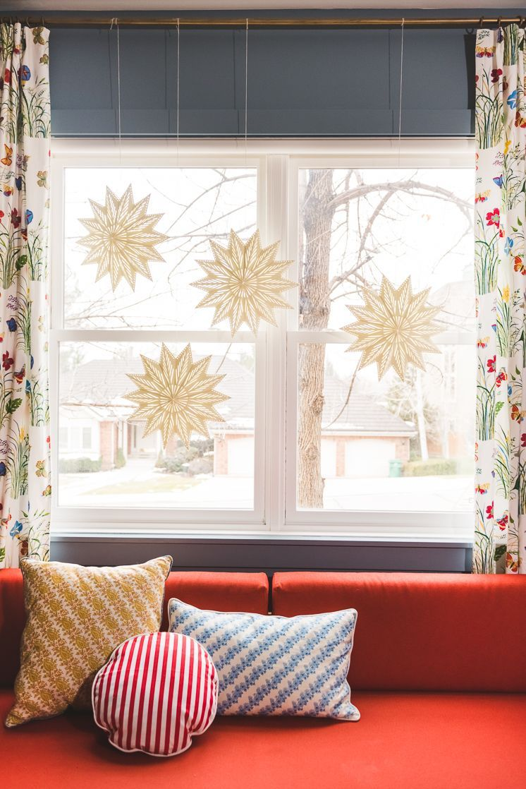 30 Diy Christmas Window Decorations Best Holiday Window Ideas