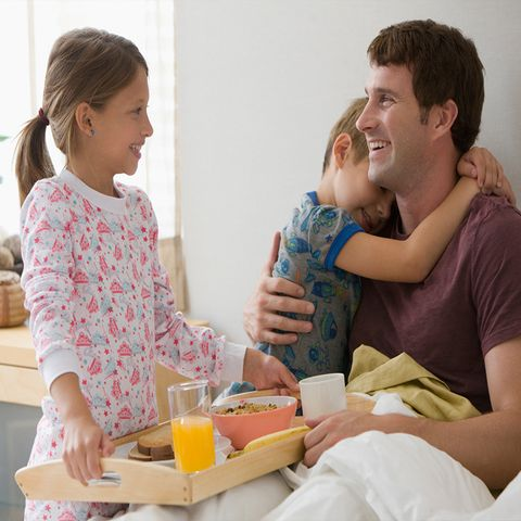 diy father s day gifts breakfast in bed