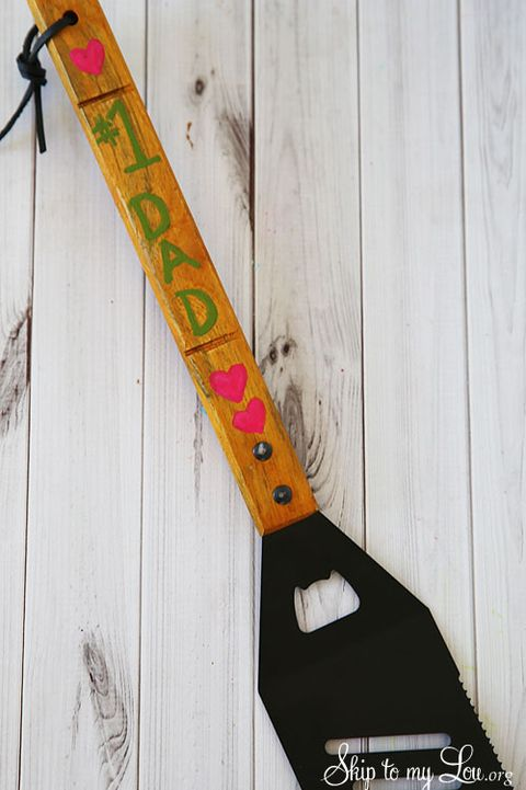 diy fathers day gifts   painted spatula
