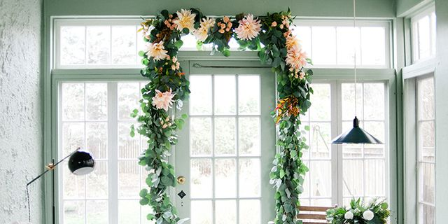 Diy Floral Garlands How To Make Flower Garlands For Weddings Home And Decor
