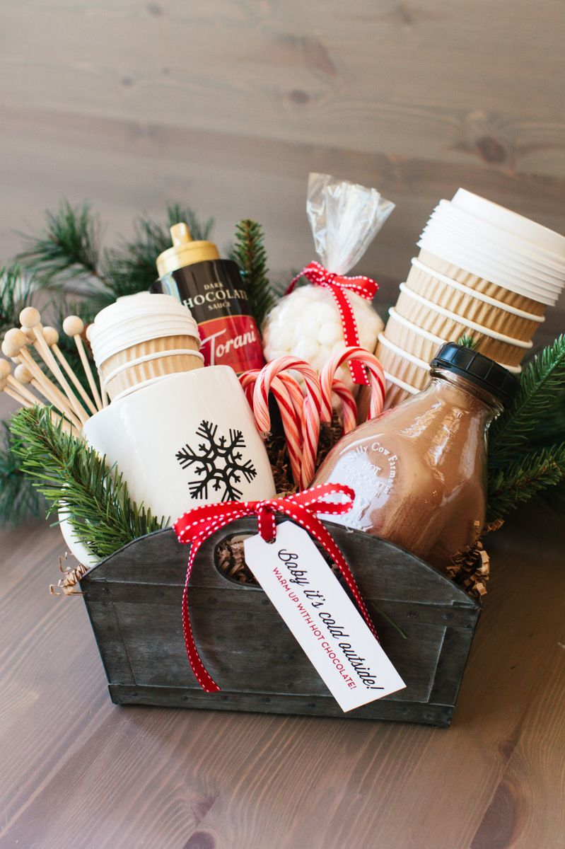 18 DIY Christmas Gift Basket Ideas - How To Make Your Own Holiday ...