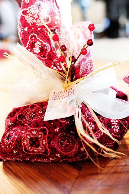cinnamon roll diy gifts