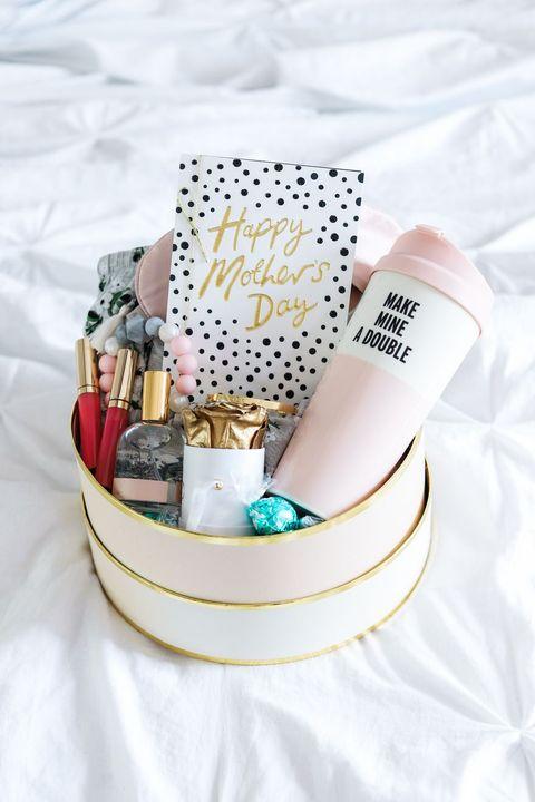 new mom gift box diy