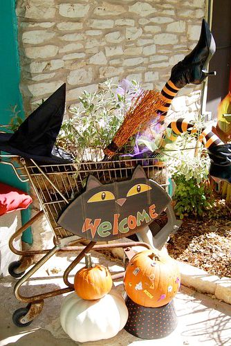 funny outdoor halloween decorations