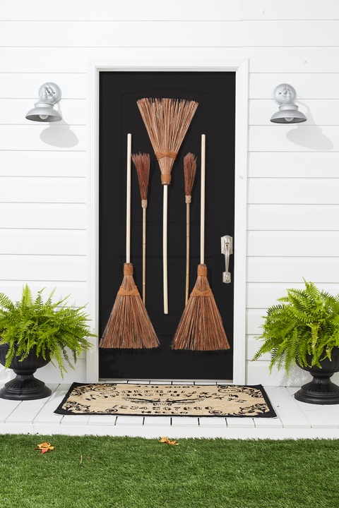 diy halloween decorations broomstick door