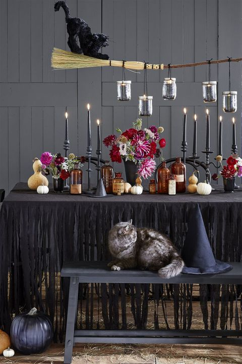Halloween Decorating Ideas 2020 78 Easy and Spooky DIY Halloween Decoration Ideas to Make 2020