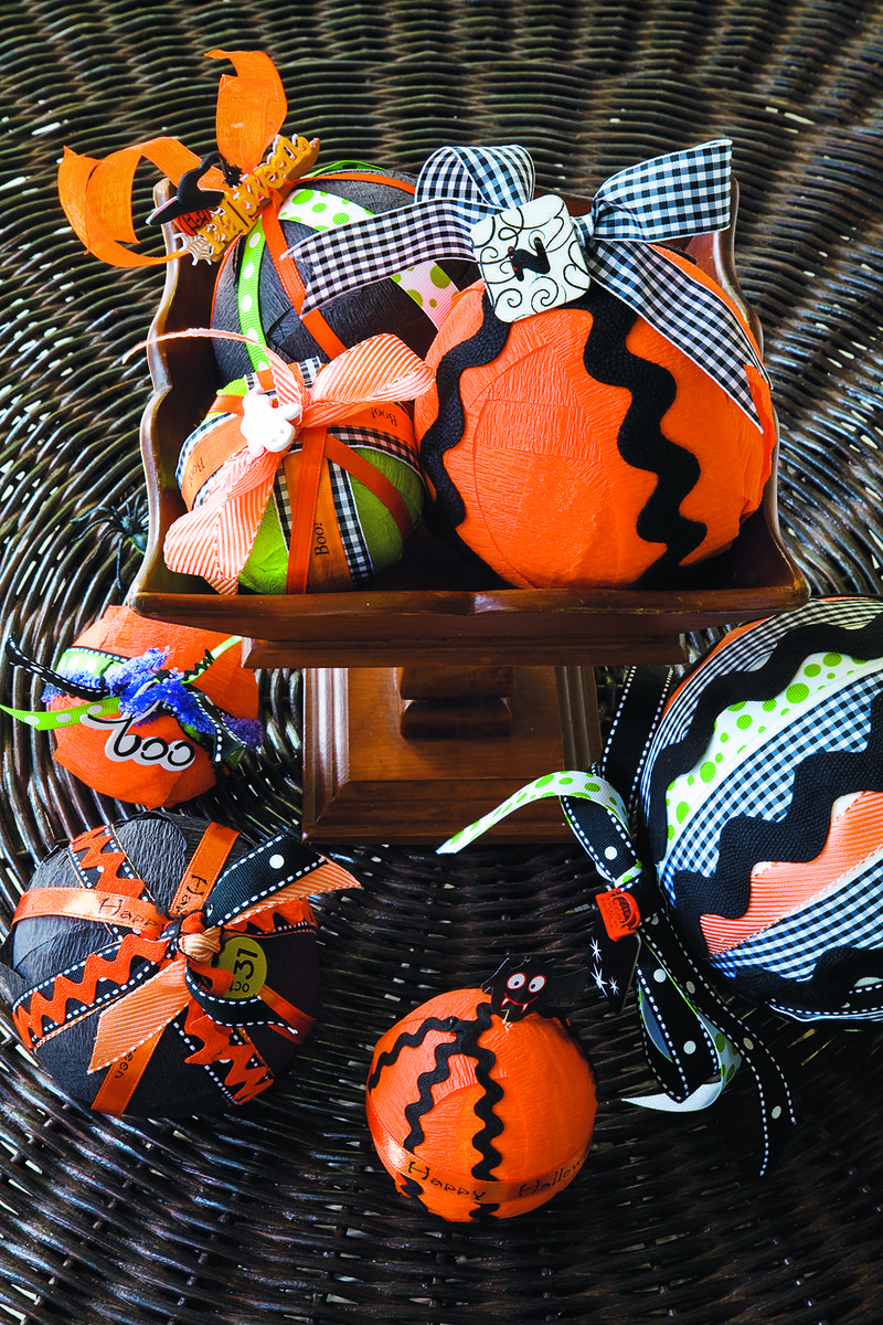Halloween Spider Rings 30 pcs Party Favors Supplies Choose Orange or Purple