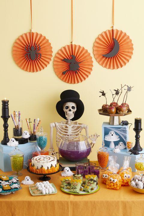63 Diy Halloween Decorations How To Make Halloween Decorations