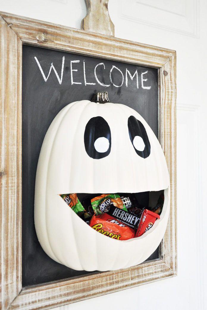 bricolage halloween décoration bonbons porte cintre