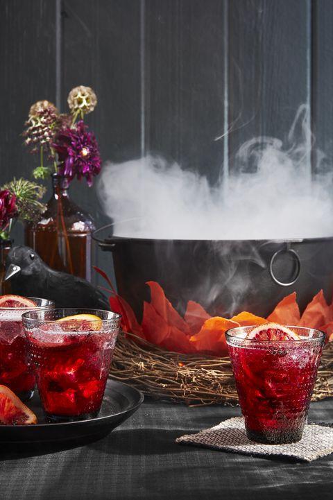 DIY Halloween Decorations cauldron cocktail