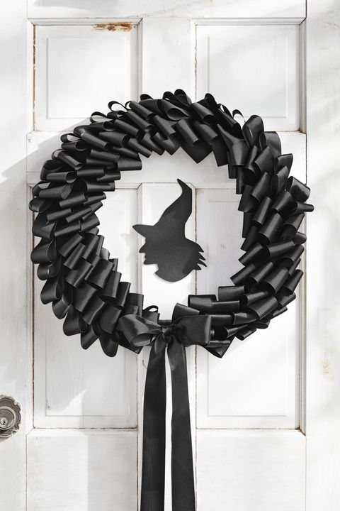 black ribbon halloween wreath