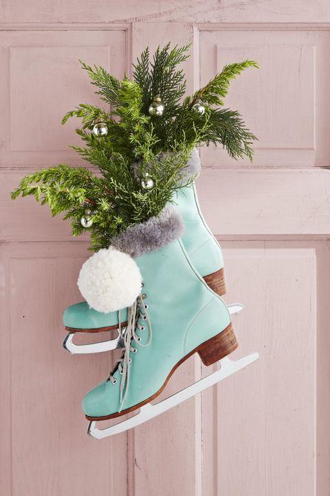 diy ice skates wreath christmas crafts