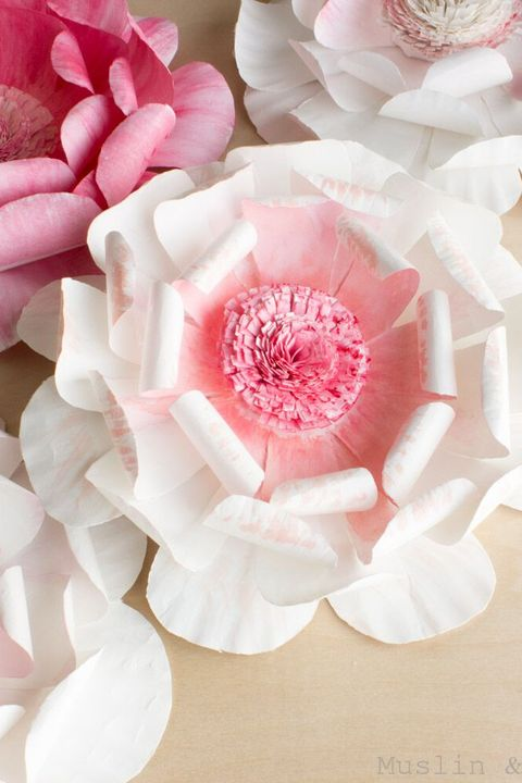 Simple Steps to Craft Tissue Paper Flowers | 720x480