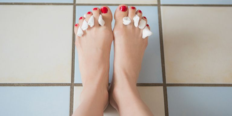 How to do pedicure at home pedicure at home woman pedicure at home solutioingenieria Gallery
