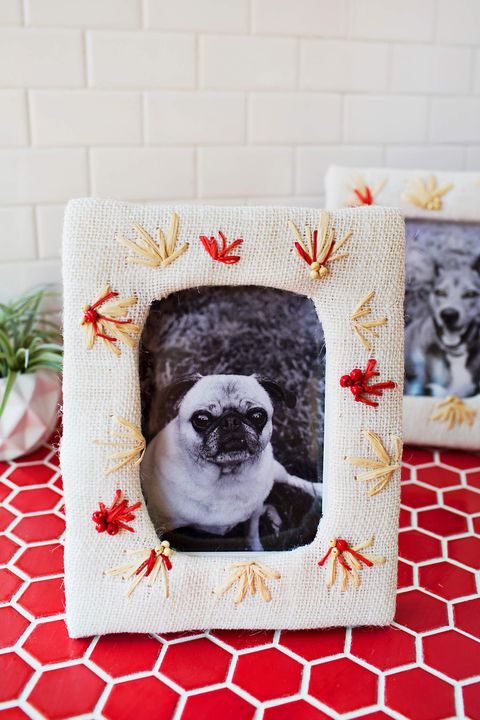 diy picture frames embroidered