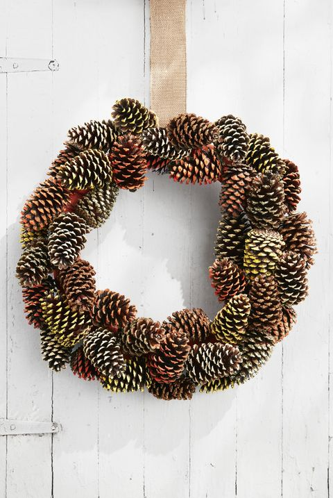 diy pine cone wreath for fall