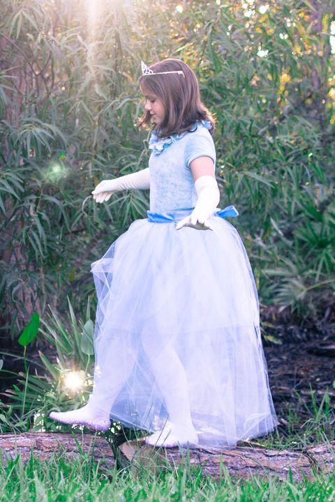 fed08a401f0f 30 DIY Disney Princess Costumes - Homemade Princess Dresses for Kids