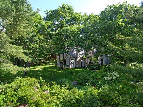 Vegetation, Natural landscape, Tree, Green, Property, House, Garden, Nature reserve, Botany, Grass,