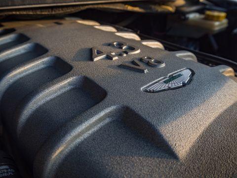 κινητήρας aston martin v8