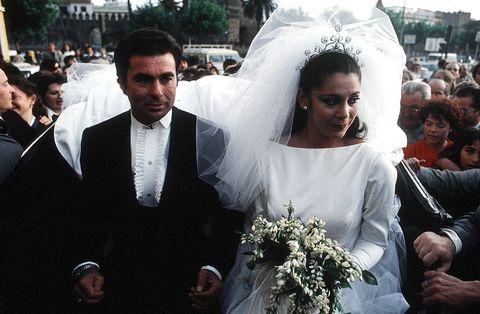 Photograph, Marriage, Ceremony, Event, Wedding dress, Bride, Wedding, Tradition, Veil, Formal wear,