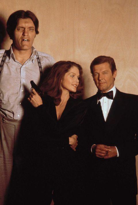 Barbara Bach y Roger Moore