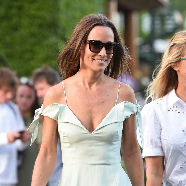 pippa middleton con un vestido verde menta en wimbledon en 2017 que hace un look de invitada de boda en el 2021 espectacular