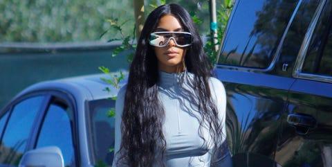 Hair, Eyewear, Vehicle door, Sunglasses, Street fashion, Vehicle, Car, Black hair, Glasses, Fashion,