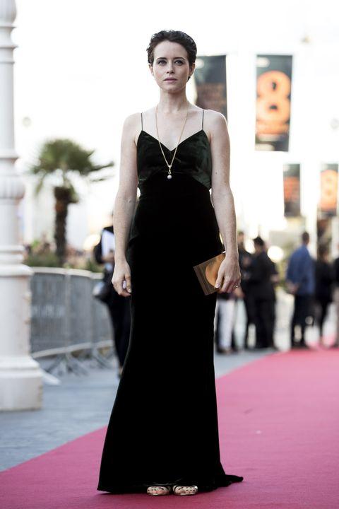 Fashion model, Dress, Clothing, Gown, Fashion, Carpet, Red carpet, Shoulder, Flooring, Haute couture,