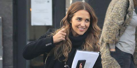 3c7843ec1 Paula Echevarría tiene los pantalones de Zara de  animal print ...