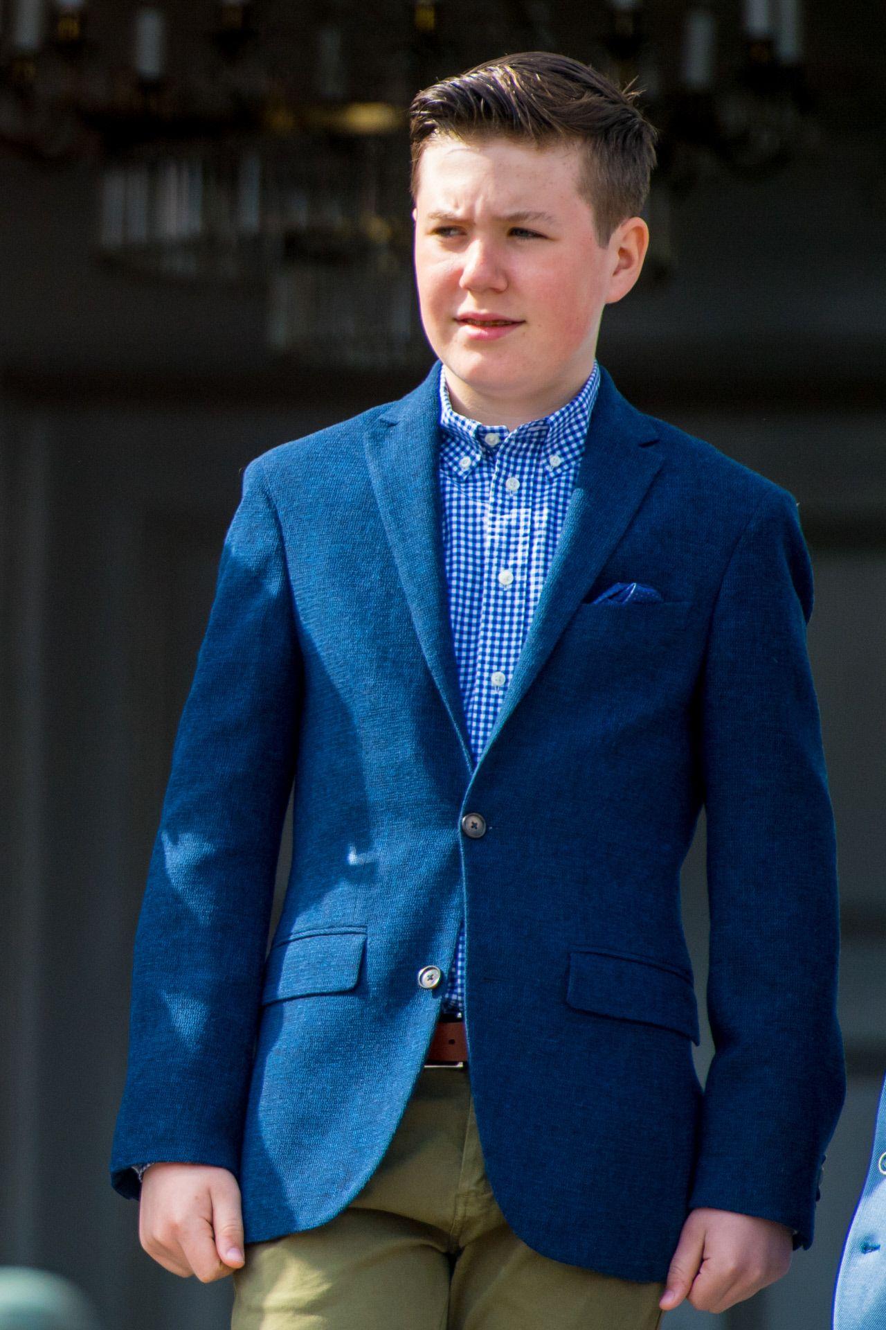 El príncipe Christian se ha convertido en un tierno adolescente