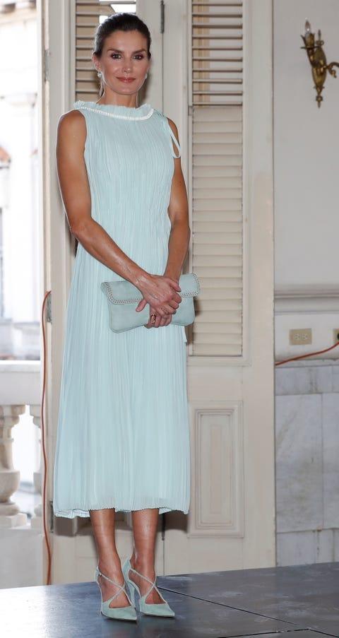 Clothing, White, Dress, Fashion, Shoulder, Leg, Footwear, Cocktail dress, Formal wear, Knee,