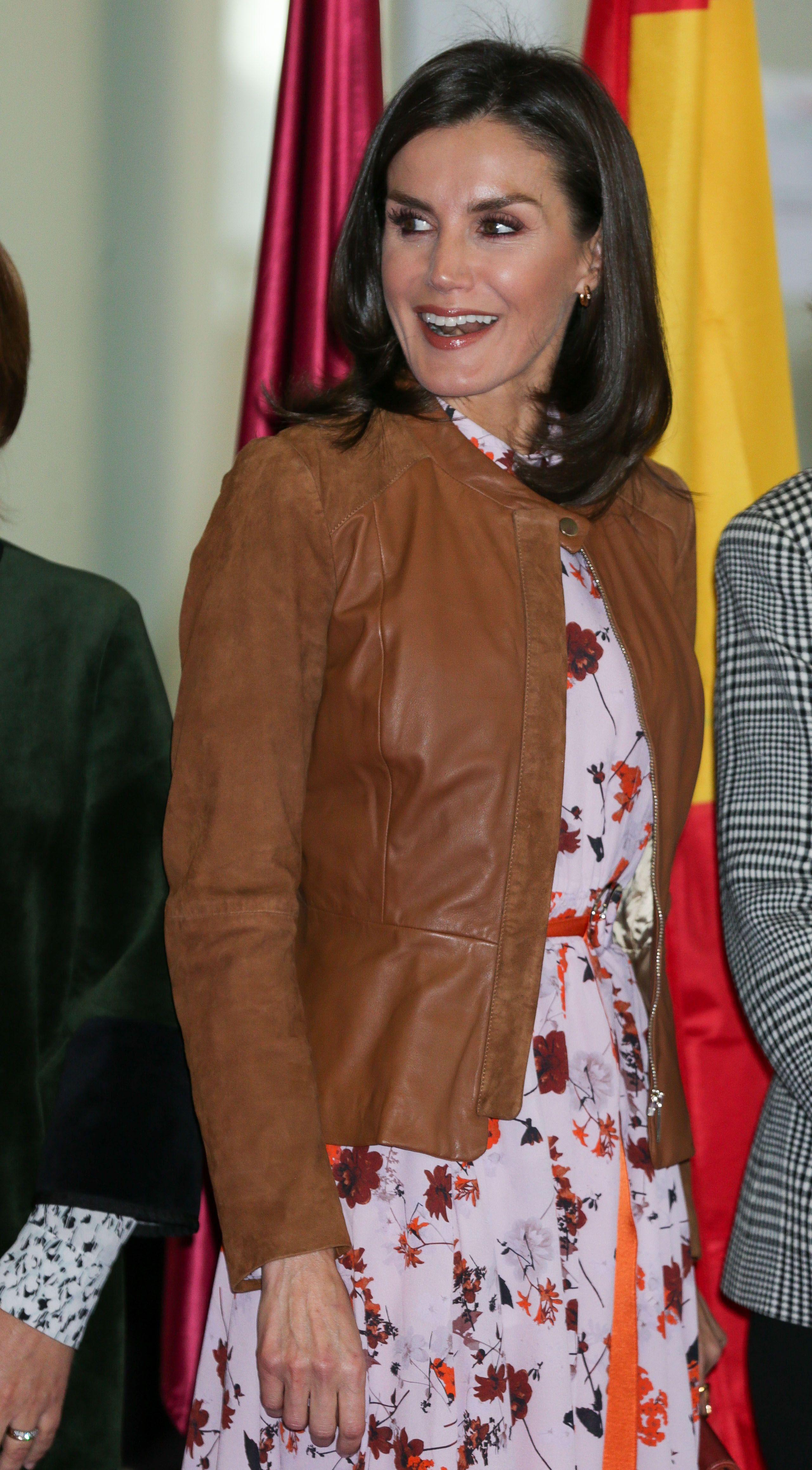 Doña Letizia estrena su look lady más atrevido