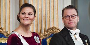 Victoria de Suecia apoya a Marta Luisa de Noruega