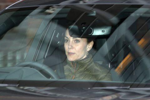 ¿Qué hacía Kate Middleton mientras su marido Guillermo asistía a la cumbre por Harry y Meghan?
