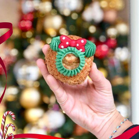 Christmas ornament, Ornament, Christmas decoration, Fashion accessory, Christmas, Tradition,