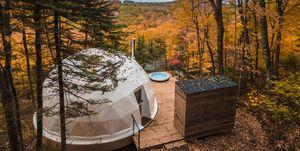 Dômes Charlevoix, cabañas en fomra de cúpula de Bourgeois/Lechasseur Architectes. Eco turismo luxuru en Québec
