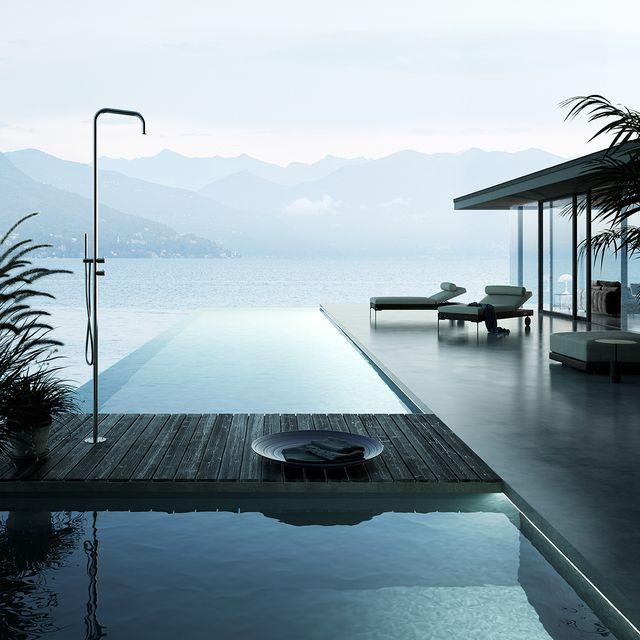 la doccia da esterno freestanding metal di aquaelite