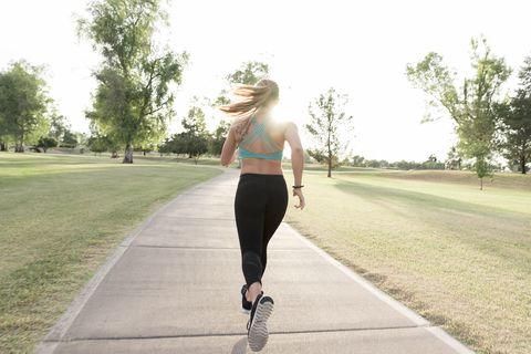 Footwear, Roller skating, Jogging, Joint, Recreation, Knee, Shoulder, Roller sport, Sportswear, Running,