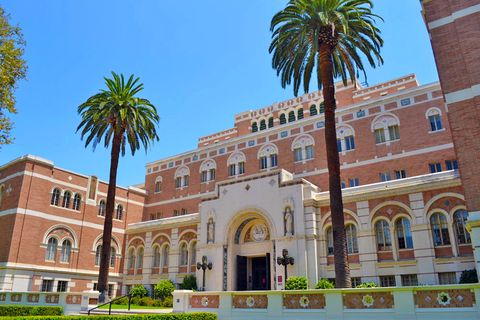 the doheny memorial library, located in los angeles, california