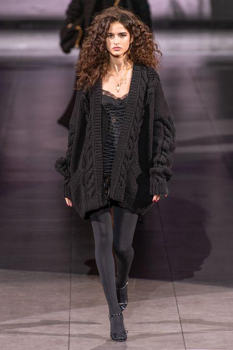 Fashion model, Fashion, Fashion show, Clothing, Runway, Outerwear, Tights, Leggings, Human, Fashion design,