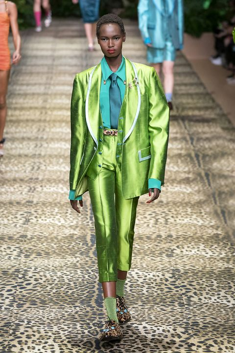 Fashion, Green, Runway, Clothing, Street fashion, Fashion show, Fashion model, Outerwear, Spring, Fashion design,