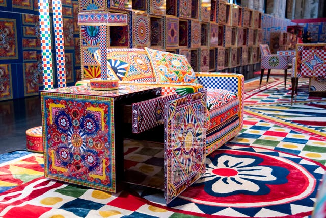 muebles de dolce  gabbana