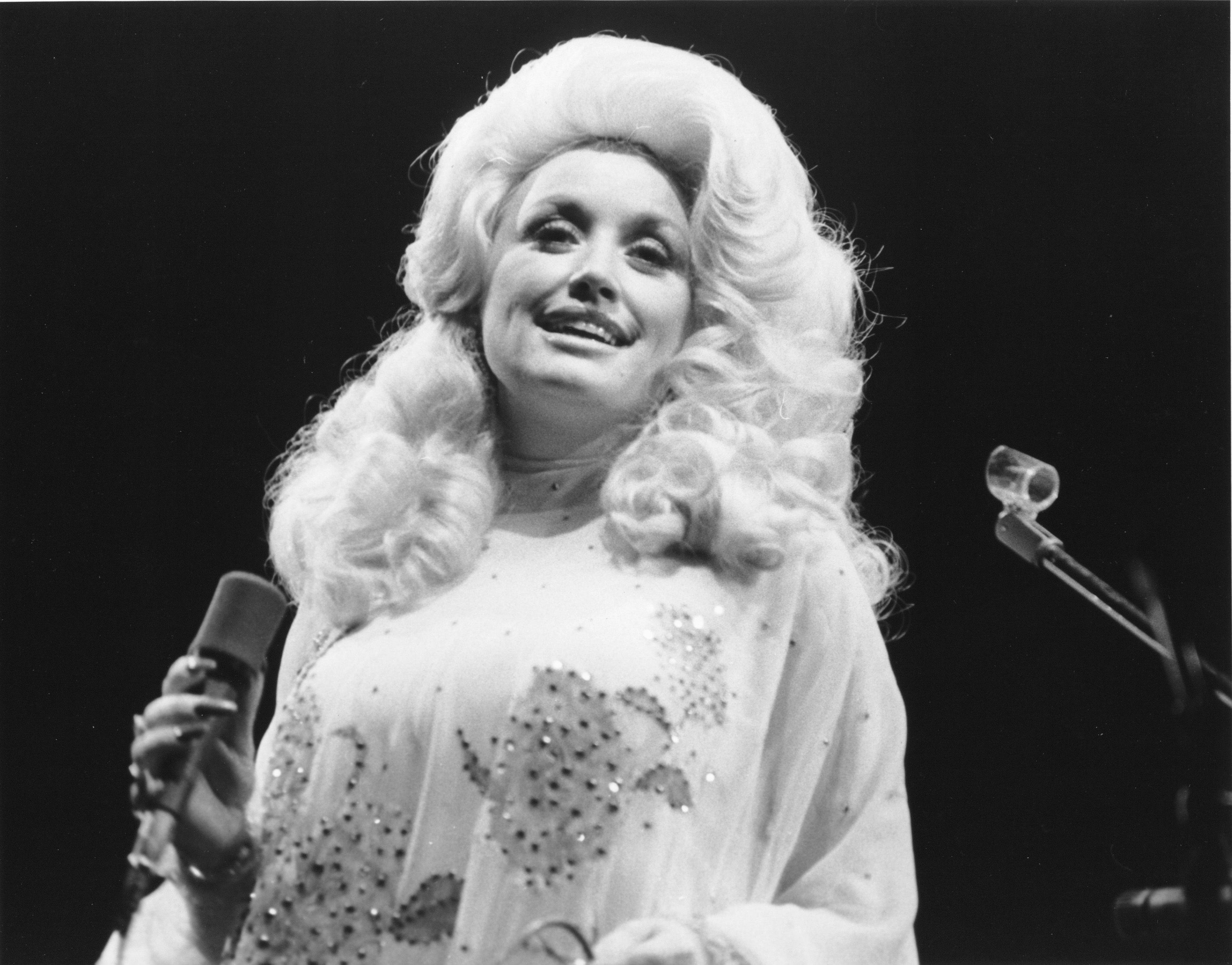 40 Rare Photos of Dolly Parton Through the Years