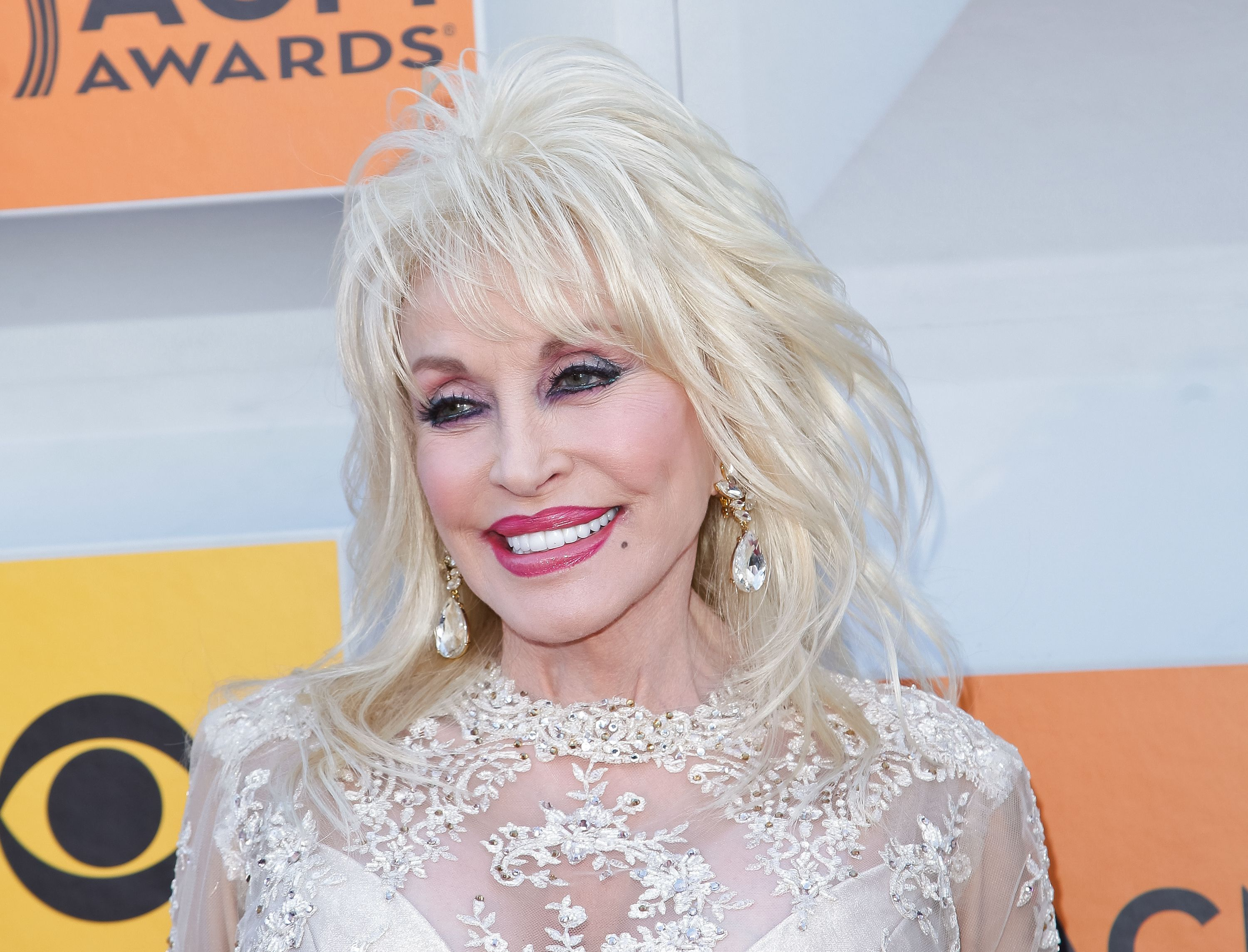 Dolly Parton Is Looking For Extras To Appear In Her Upcoming Netflix